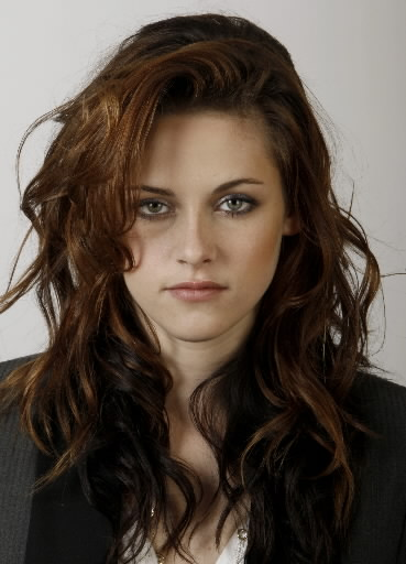 http://universetwilight.files.wordpress.com/2009/04/kristen-stewart-ap.jpg