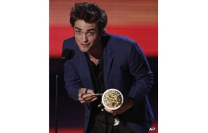 _45849904_ap_mtv_pattinson2_466
