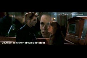 Hollywoodtruelife-TwilightsNewMoonMovieTrailerReleasedAtMTVAwardShow854