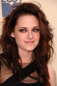 Kristen Stewart diz que é magra demais